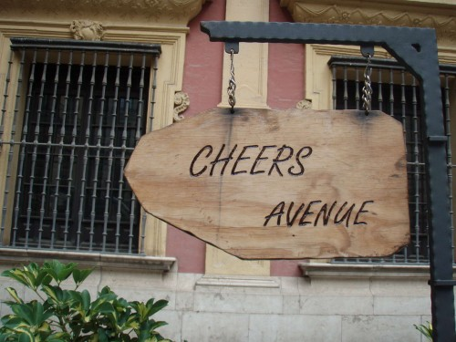 07_Cheers-Avenue-whith-Life-Square